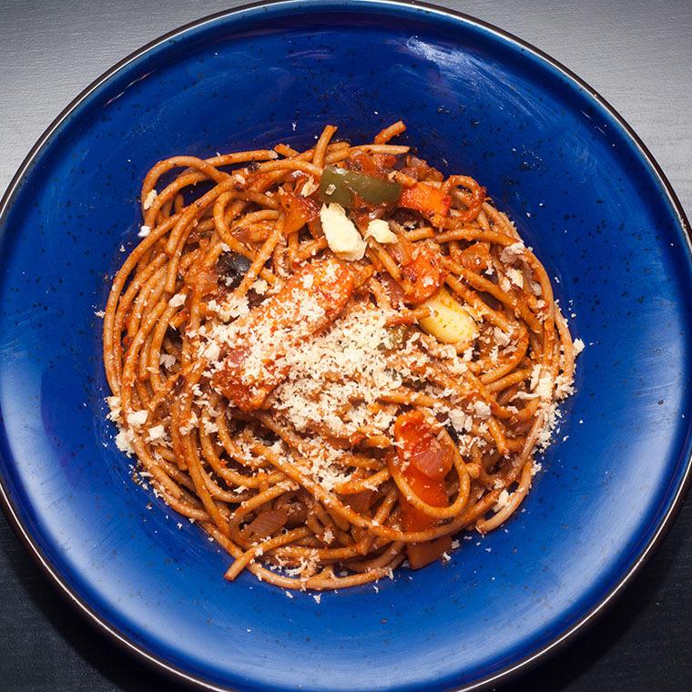 Pełnoziarniste spaghetti zsoczewicą